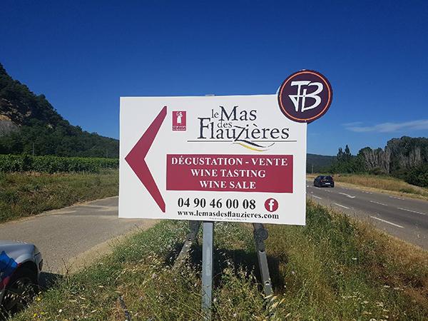 Signalétique-Caveau-Mas des Flauzières
